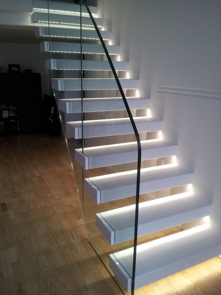 Staircase with led lights sparkle words social blog - Led escalier leroy merlin ...